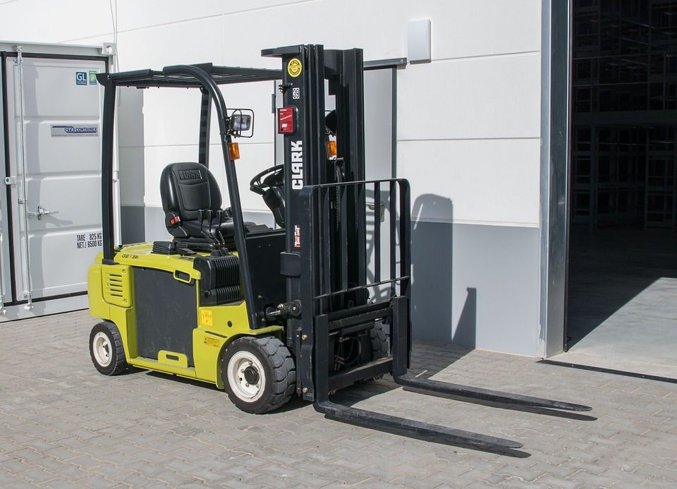 Forklift Financing – When To Buy And When To Lease